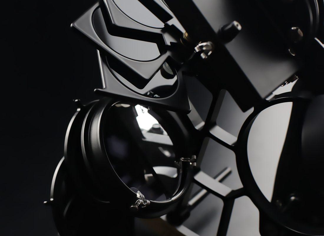 sextant_schwarz-1100-1200-front